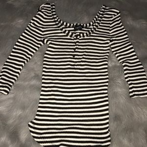 Tops - Black and white stripped quarter sleeve